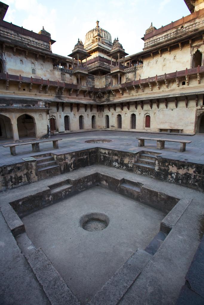 Jahangir Mahal 10
