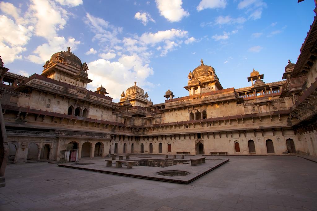 Jahangir Mahal 14