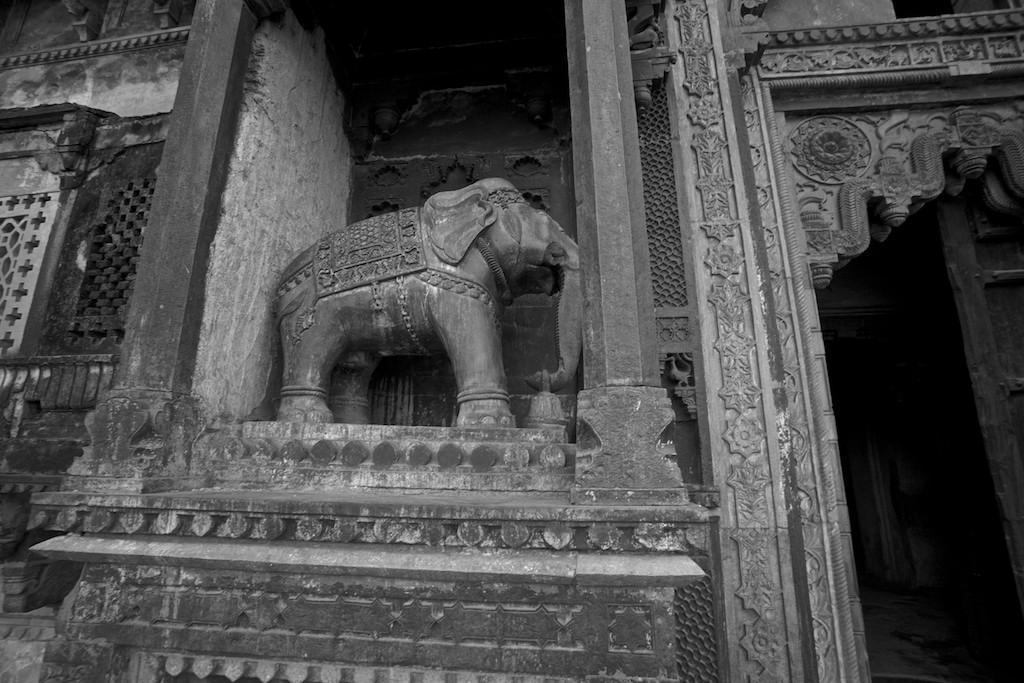 Jahangir Mahal 15