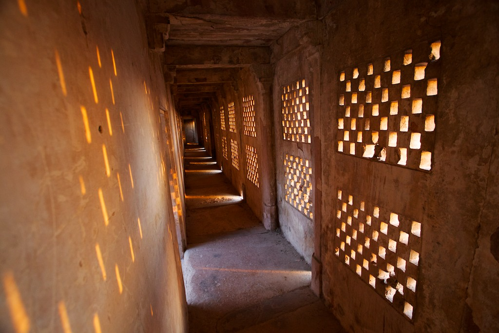 Jahangir Mahal 18