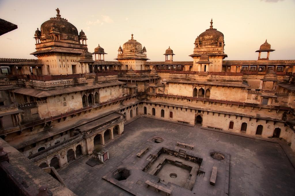 Jahangir Mahal 5