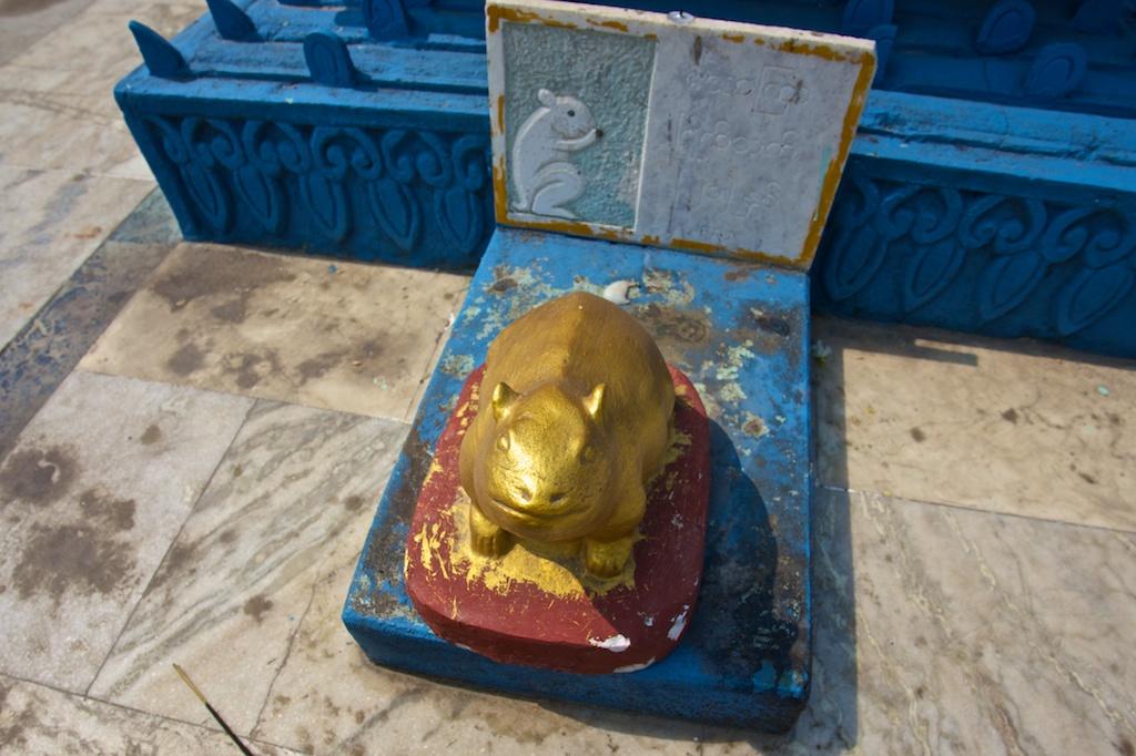 Myanmar Golden Temple 8
