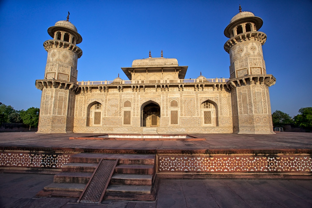 Baby Taj Mahal: Tomb of I'timād-ud-Daulah in Agra, India ...