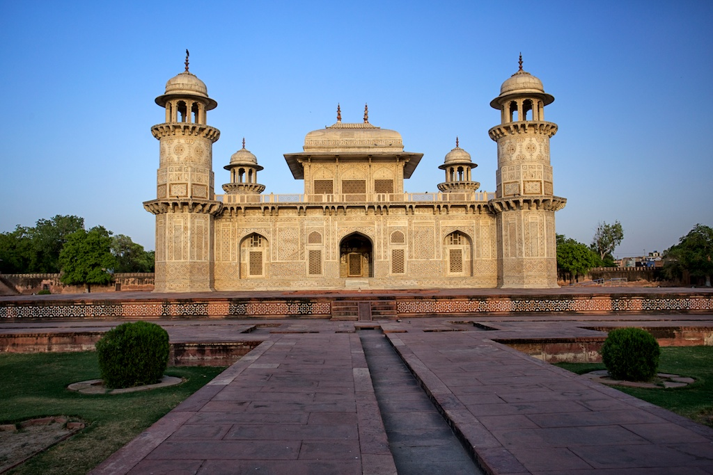 baby taj mahal tomb of i 39 tim d ud daulah in agra india through my lens. Black Bedroom Furniture Sets. Home Design Ideas