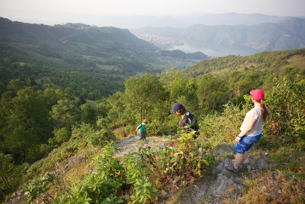 Hiking to Sarangkot 11